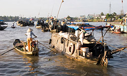 3-day Mekong Delta Cruise Tour between Phnom Penh and Saigon (cruise and overland transfer)