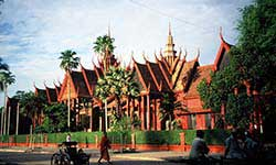 Phnom Penh Extension Hotel and City Tour