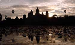 Scenic Guided Transfer from Phnom Penh to Angkor Wat (1day)